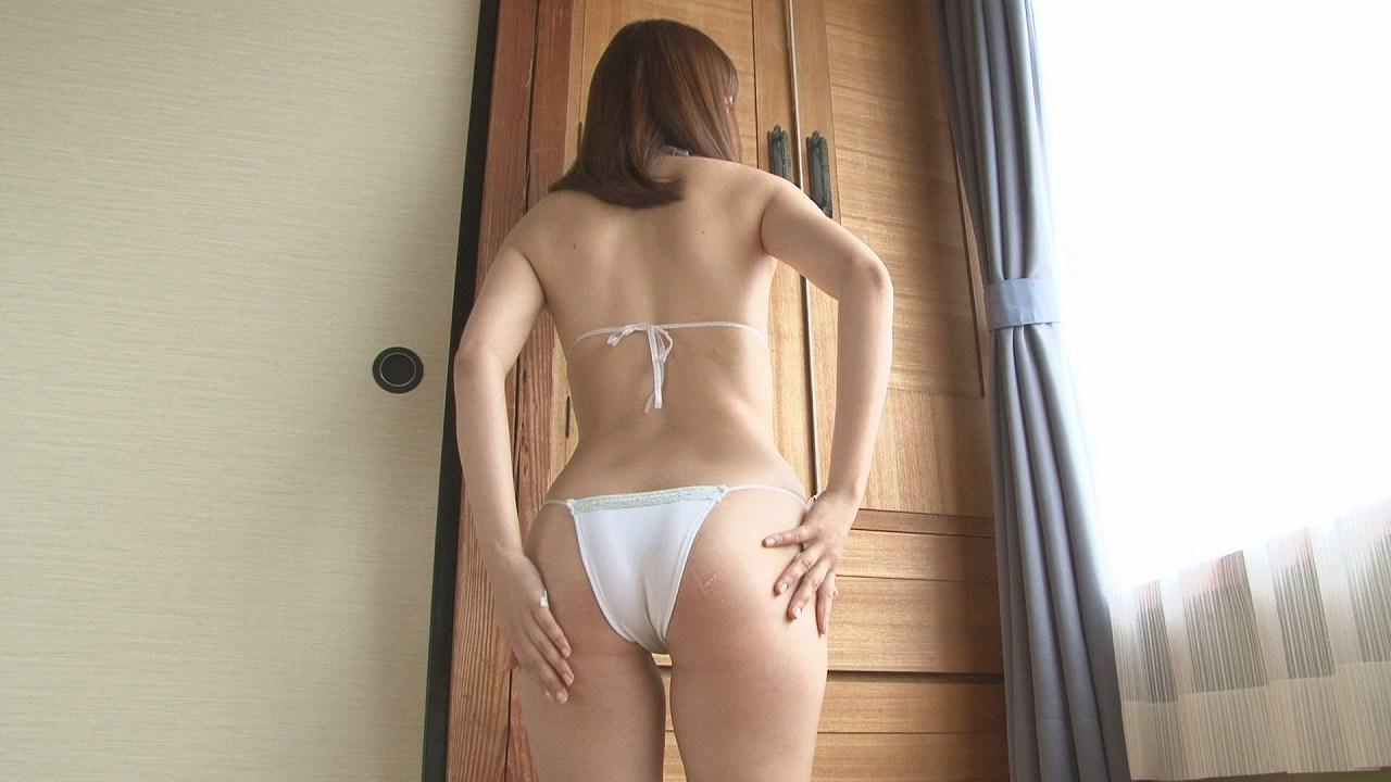 DVDで変態水着を着た浜田翔子