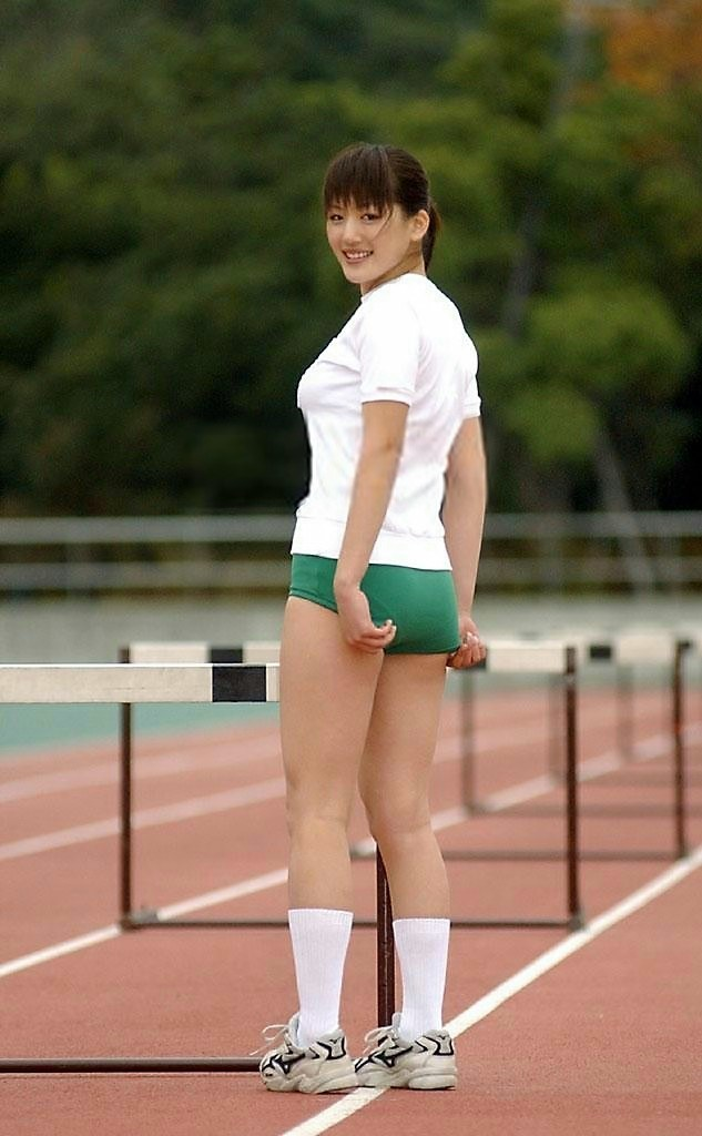 体操服にブルマ姿の綾瀬はるか