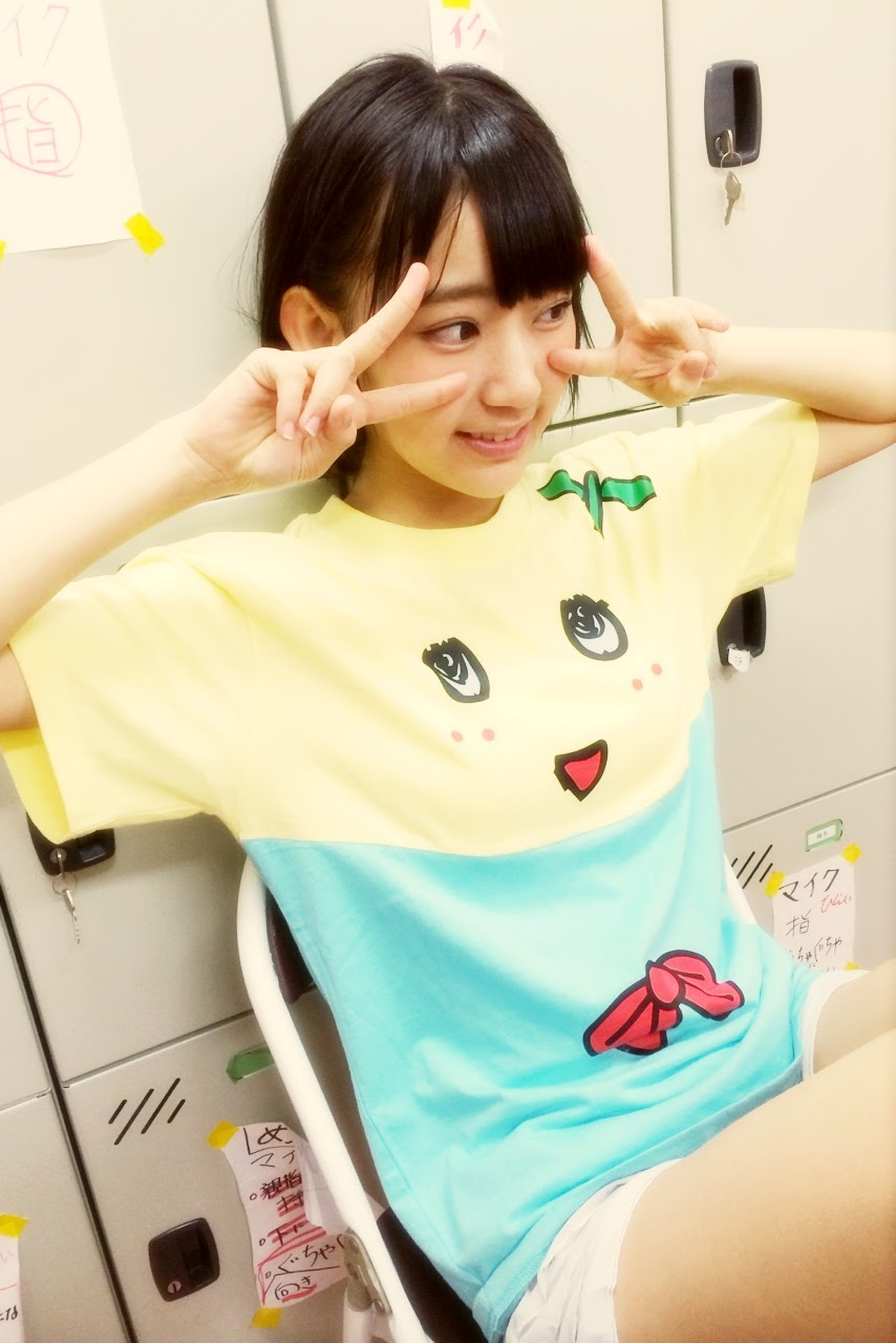 ふなっしーTシャツを着た宮脇咲良