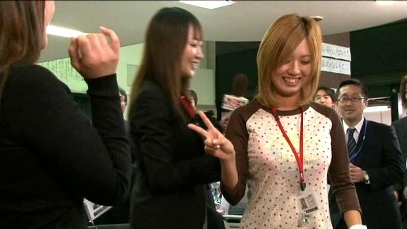 AV「SOD女子社員 業務中いつでもどこでも社内スペシャル野球拳」キャプチャ画像