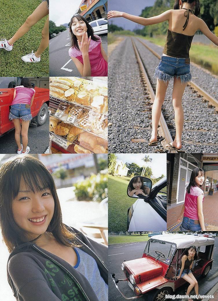 ジュニアアイドル時代の戸田恵梨香の水着グラビア
