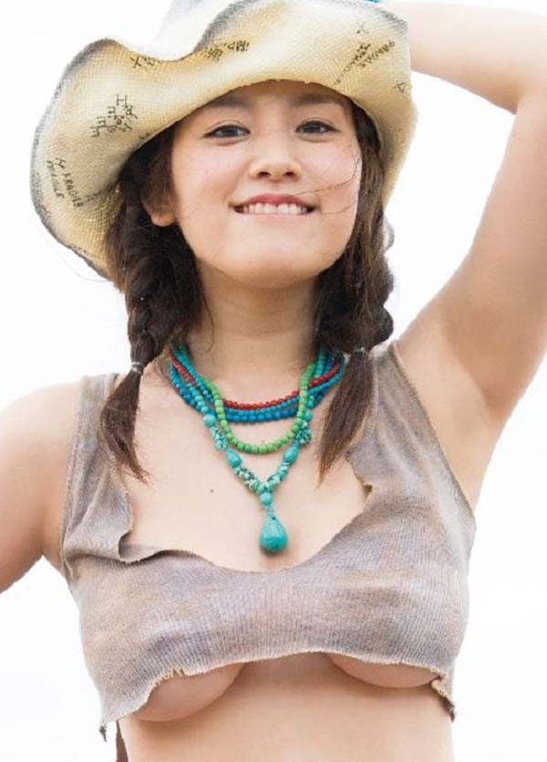 筧美和子の写真集「ヴィーナス誕生」表紙、筧美和子の乳首ポチグラビア