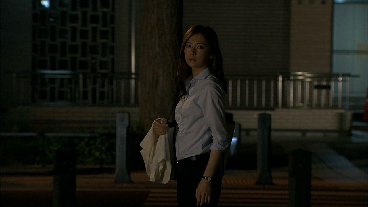 ドラマ「HERO」でパンツスーツを着た北川景子