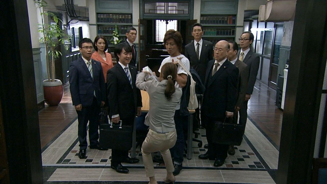 ドラマ「HERO」でパンツを履いた北川景子のお尻