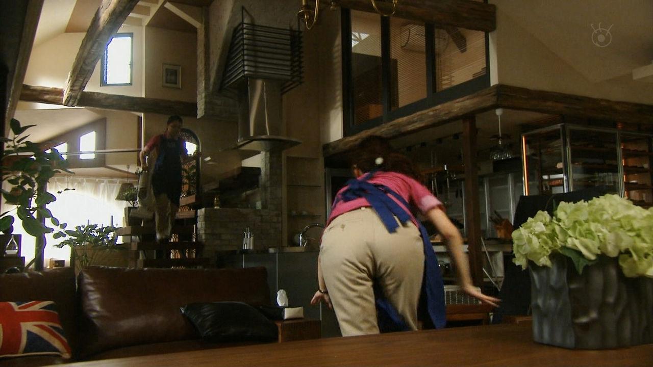 ドラマ「独身貴族」でパンツを履いた北川景子のお尻