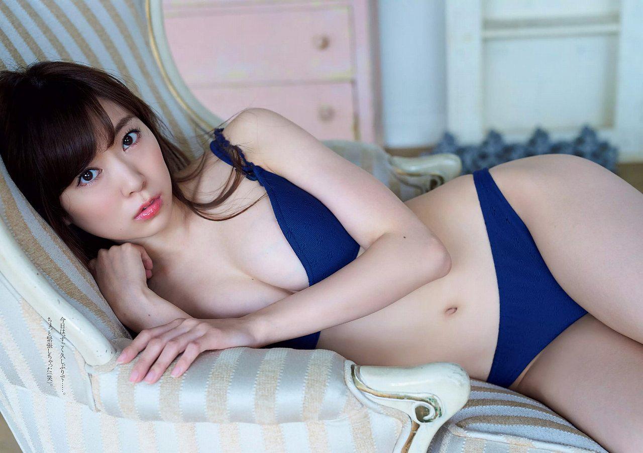「週刊プレイボーイ」渡辺美優紀の水着グラビア