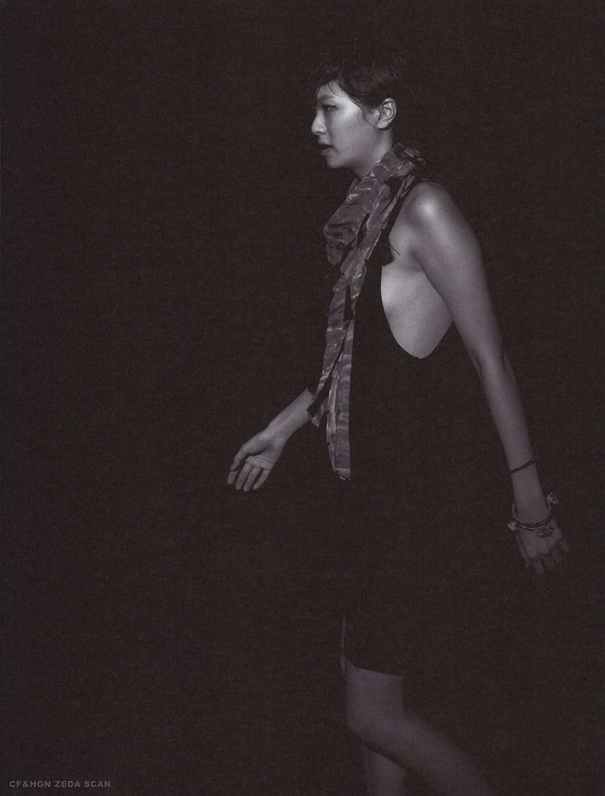 榮倉奈々写真集「NANA ー tremor ー」画像、榮倉奈々のノーブラ横乳