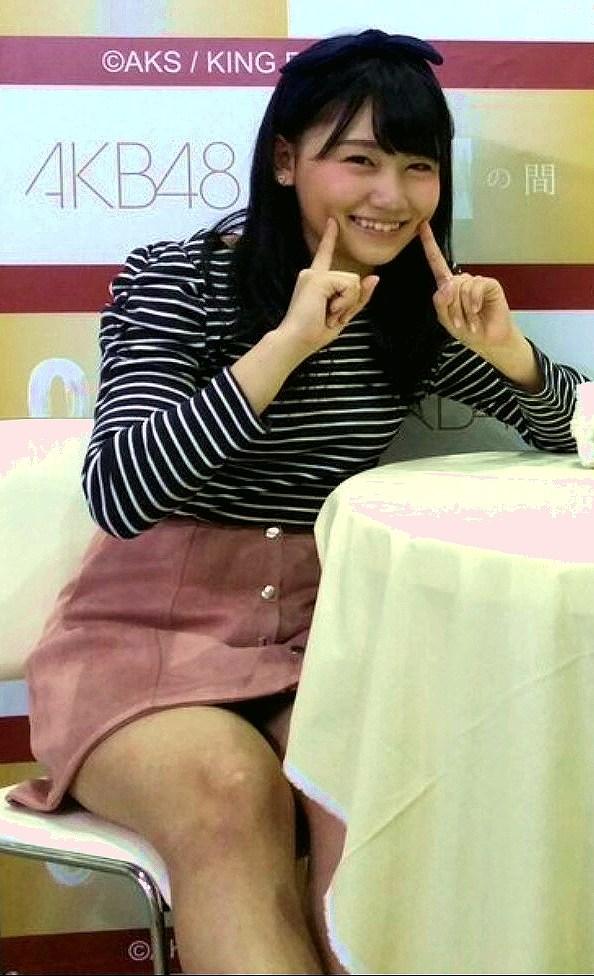 写メ会でパンチラしてる小嶋真子(こじまこ)
