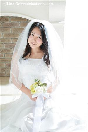 川村ゆきえのDVD「君と暮らせば」画像、ウェディングドレスを着た川村ゆきえ