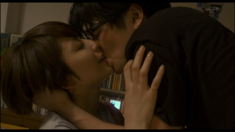 映画「モテキ」、森山未來と長澤まさみのキスシーン