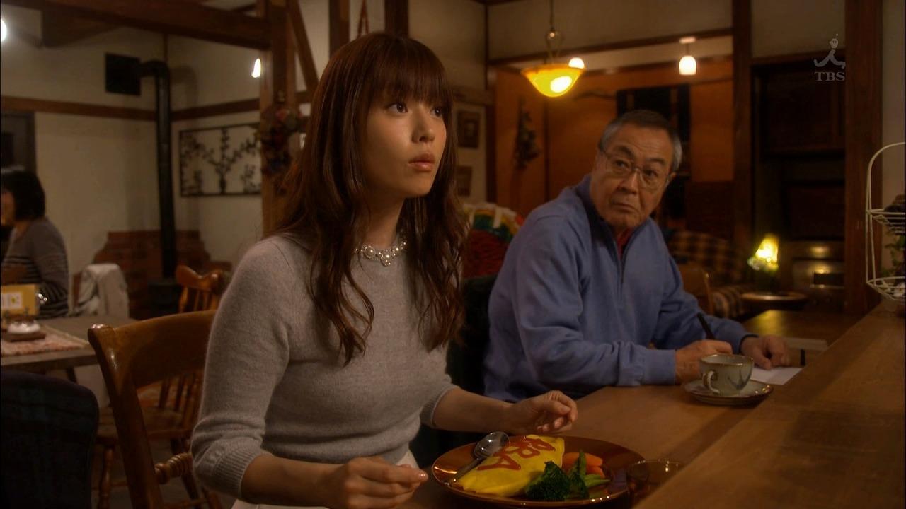 ドラマ「ダメな私に恋してください」でニットを着た深田恭子のニット着衣おっぱい