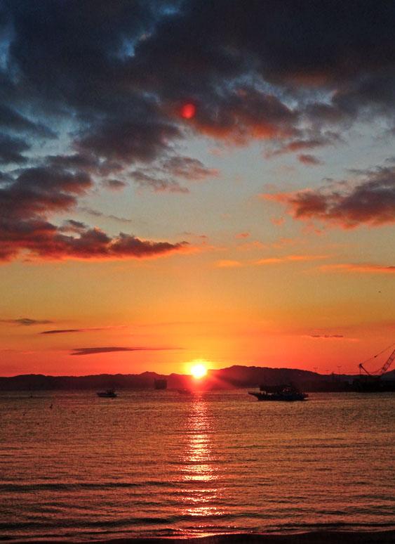 久里浜港からの日の出4