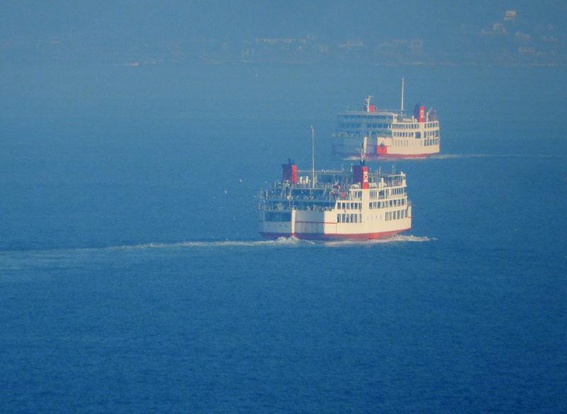 160104重なる東京湾フェリー1