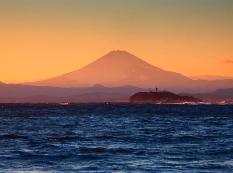 160124逗子海岸から望む夕富士1
