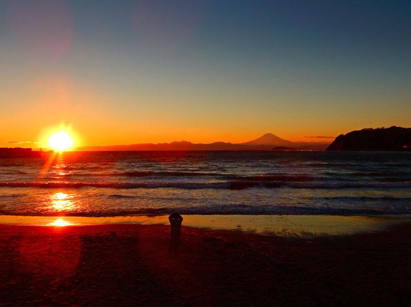 160124逗子海岸から望む夕富士2