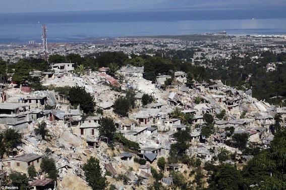 ハイチ地震 写真