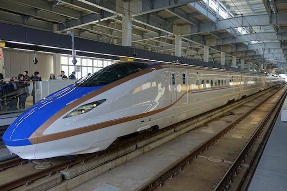 金沢新幹線 かがやき