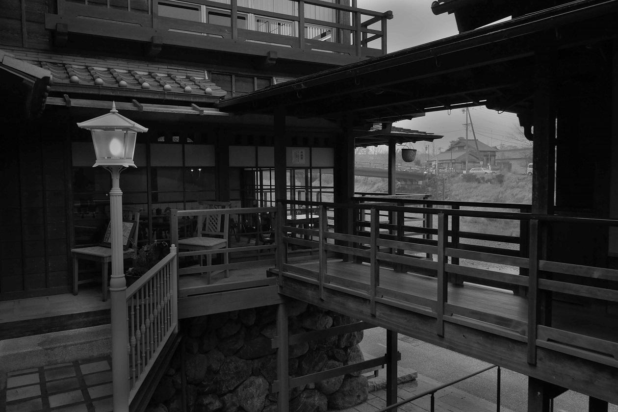 五十川カフェ入口左