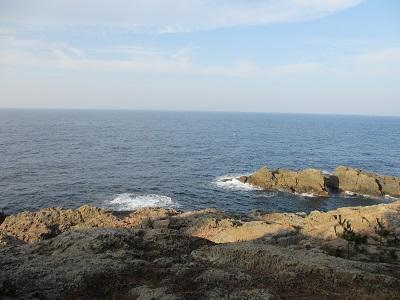 遊歩道から見える海