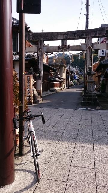 岡寺鳥居DSC_0345 (360x640)
