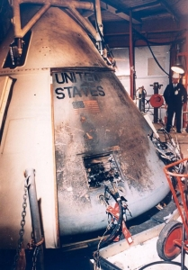 炎上したアポロ1号司令船