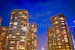 高層マンション夜景