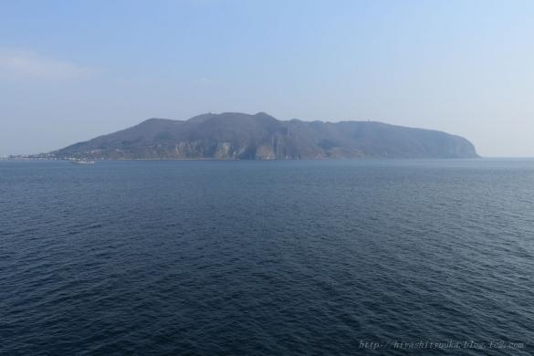 海上から見た函館山ーS-N