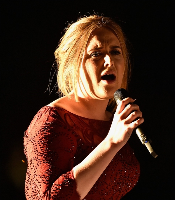 adele-performs-all-i-ask-at-grammys-2016-04.jpg