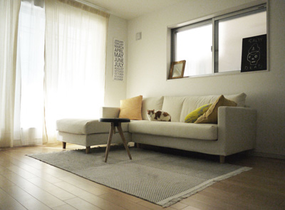 living_0426_sofa.jpg