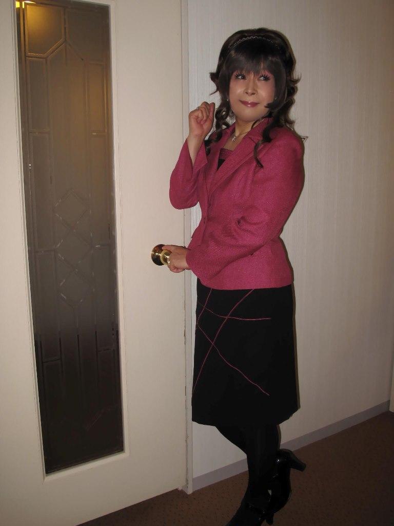 101216臙脂スーツ(2)