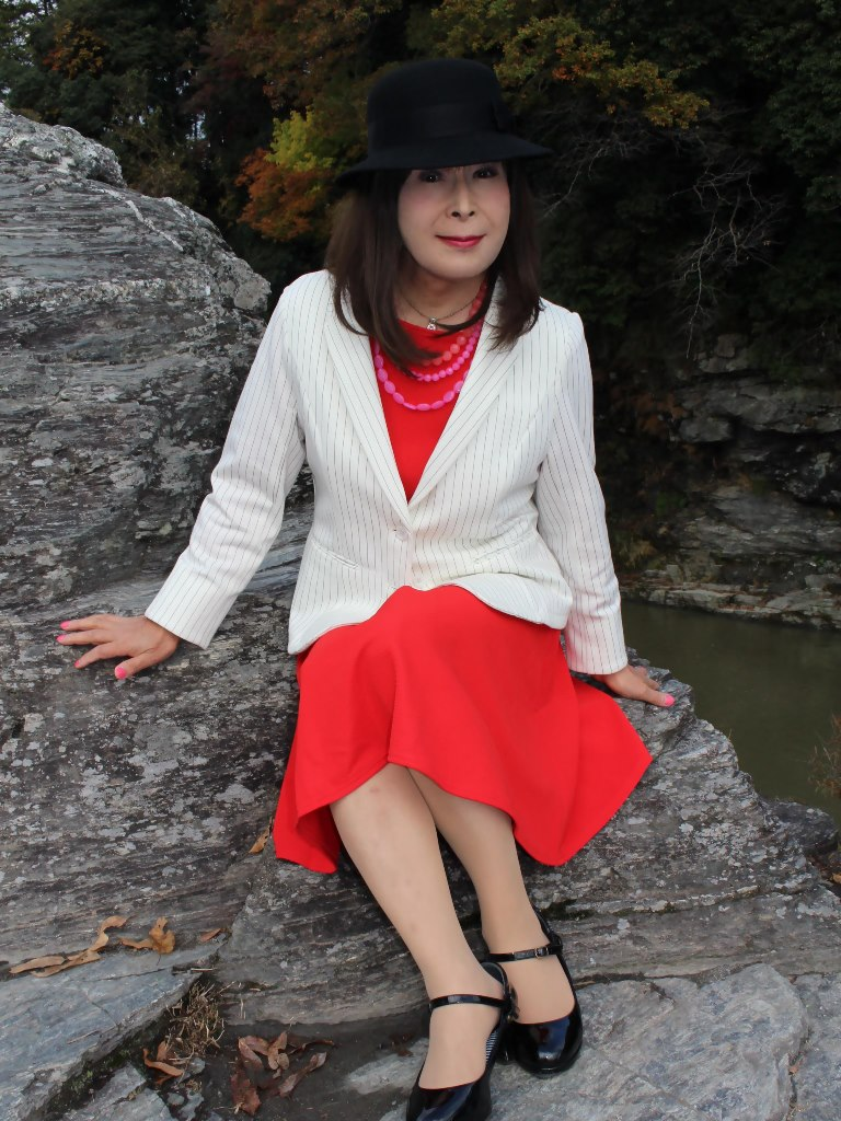 白上着赤ワンピA★(8)