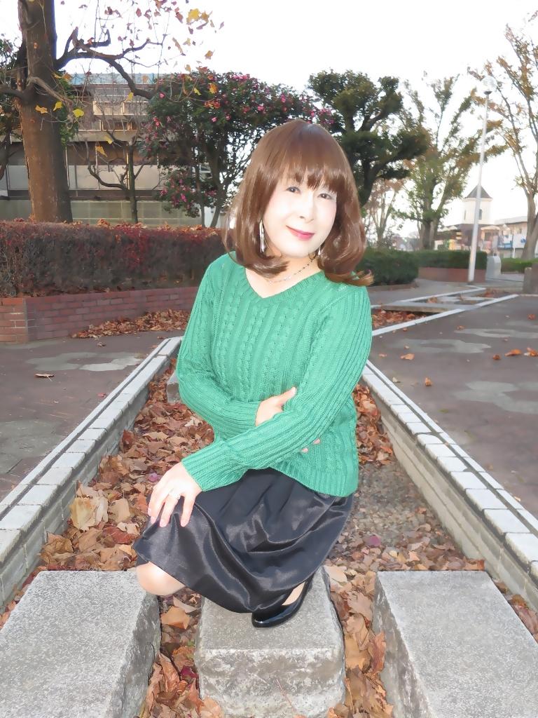 緑セーター黒スカートC(8)