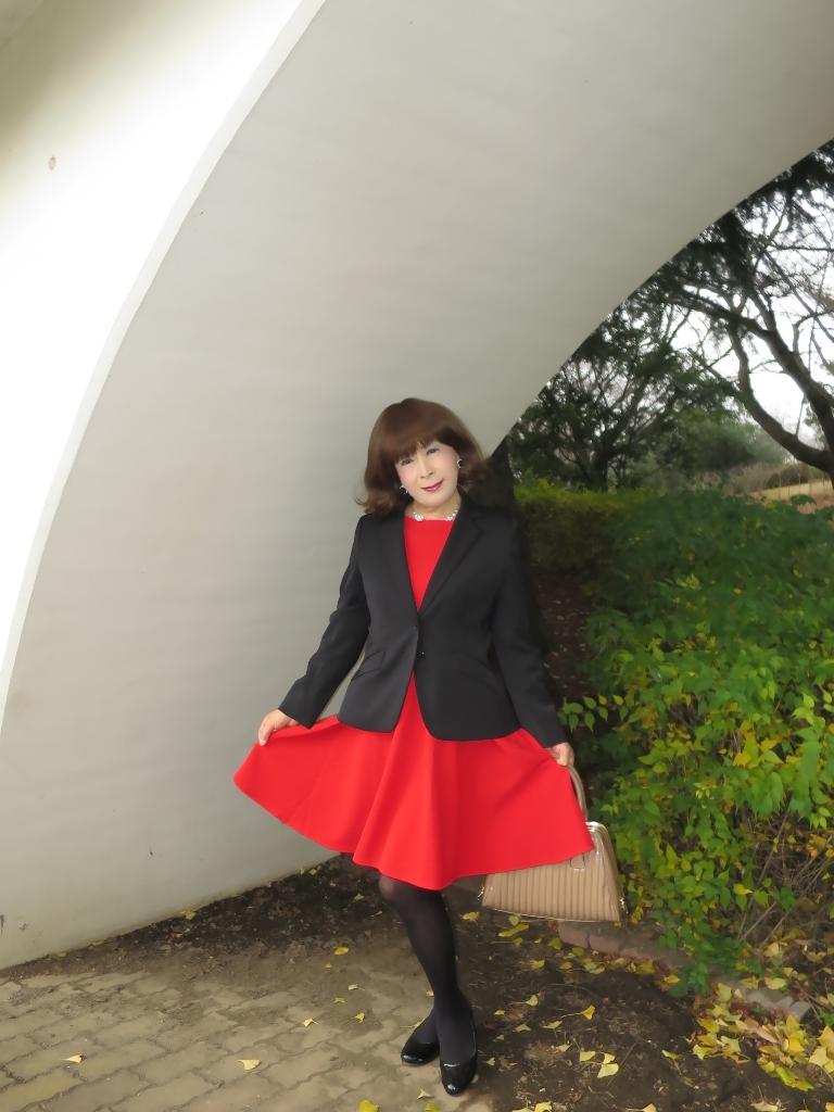 黒ジャケット赤ワンピB(2)