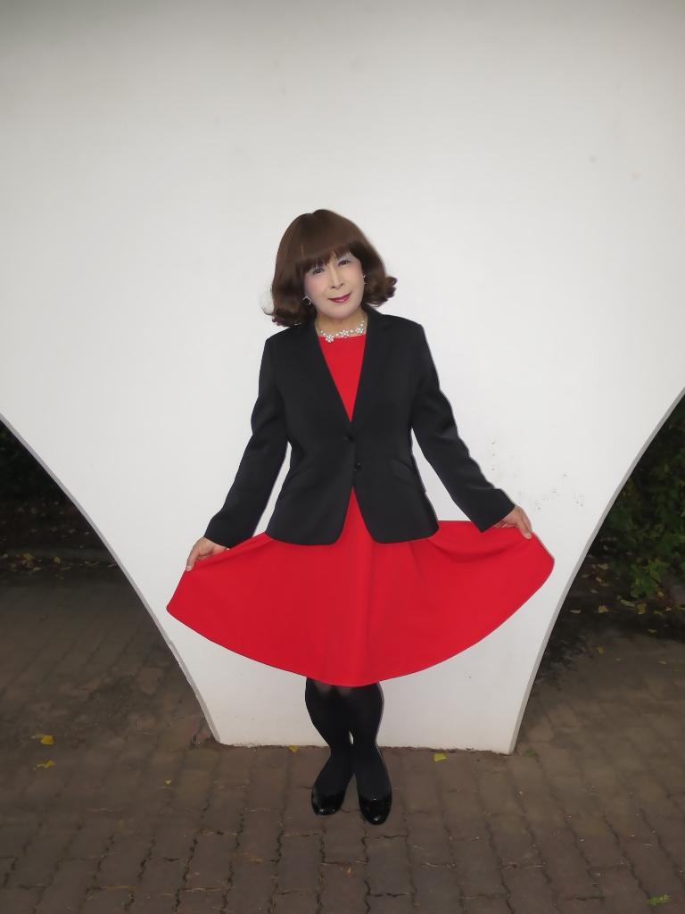 黒ジャケット赤ワンピB(4)