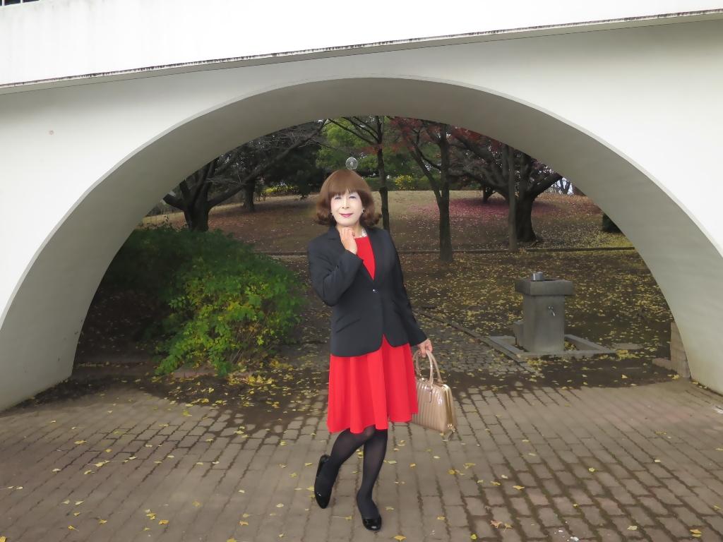 黒ジャケット赤ワンピB(8)