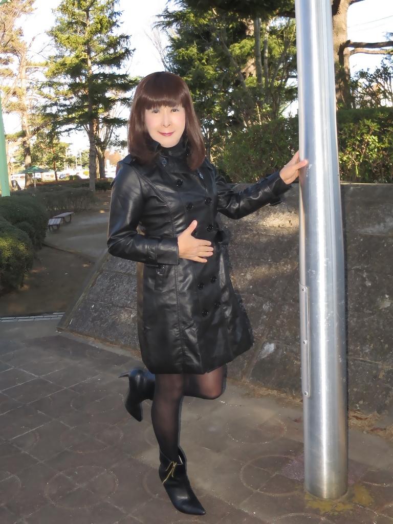 黒レザーコート(2)