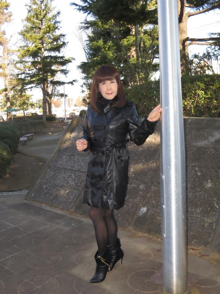 黒レザーコート(3)