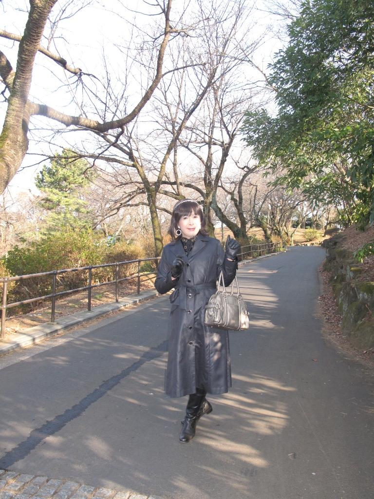 黒のコート(1)