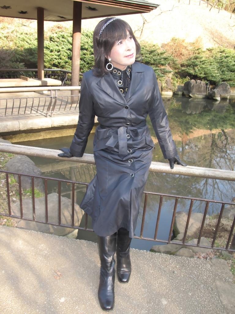 黒のコート(3)