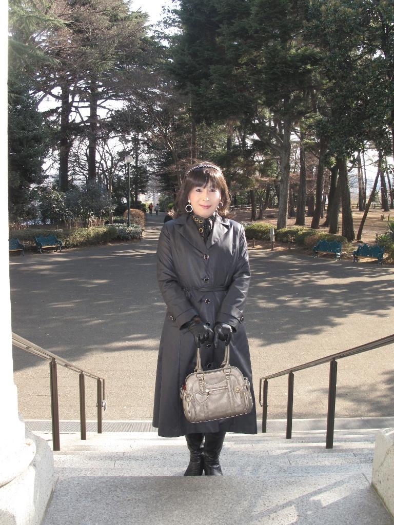 黒のコート(2)