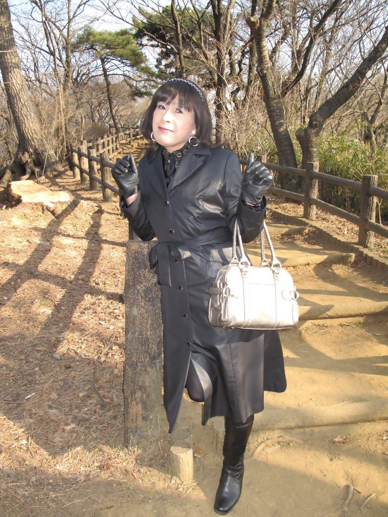黒のコート(4)