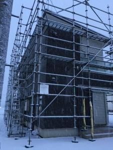 窓交換工事前の足場