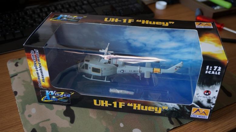 イージーモデルUH1空軍基地 (1)