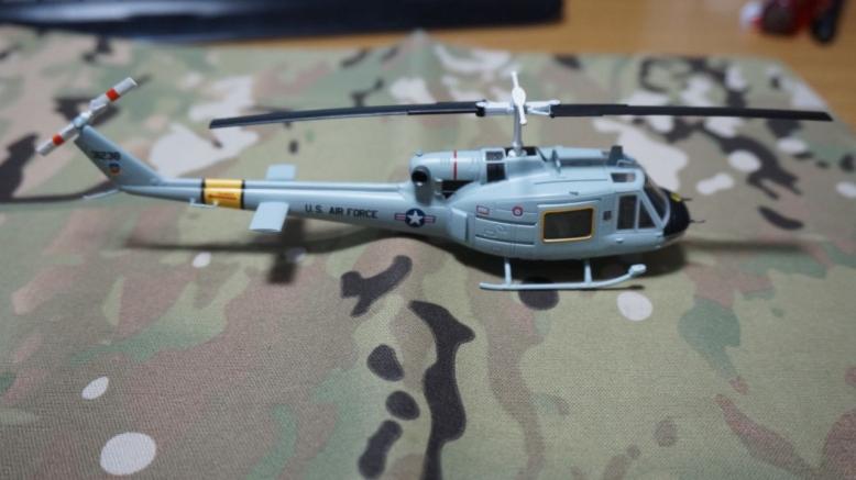 イージーモデルUH1空軍基地 (9)