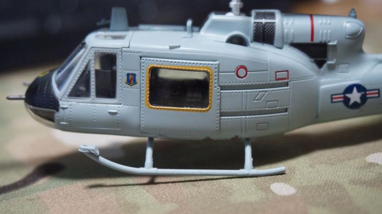 イージーモデルUH1空軍基地 (5)