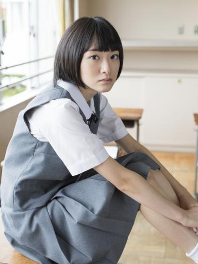 生駒里奈ファーストソロ写真集『君の足跡』