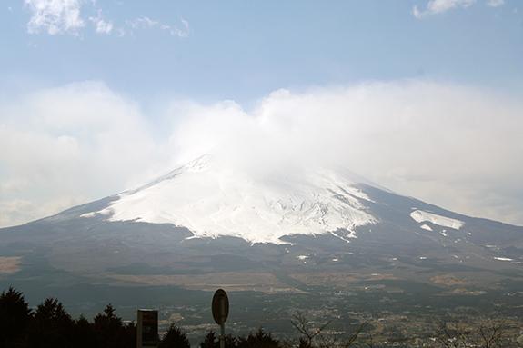 乙女峠から写した富士山