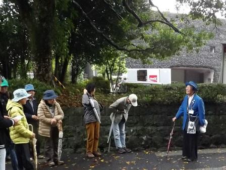 40編集_51高知城見学入口にて