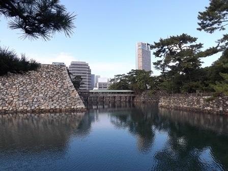 130天守台と鞘橋(廊下橋)