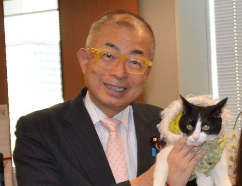 参議院議員 小野次郎先生と猫ジャンヌ 500
